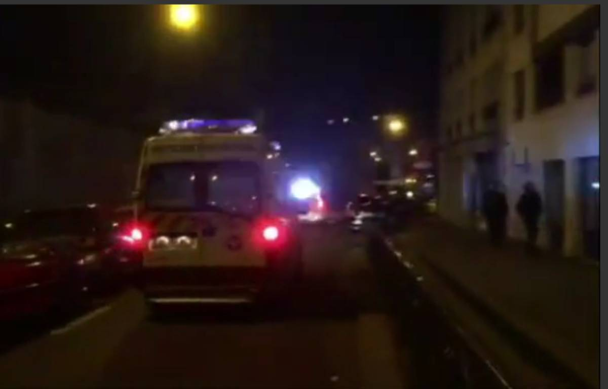 Une ambulance à Paris le 13 novembre 2015 – Capture d'écran/20Minutes
