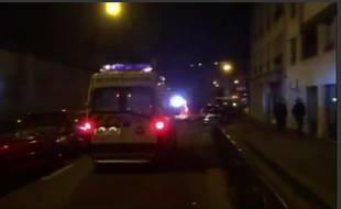 Une ambulance à Paris le 13 novembre 2015