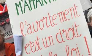 """Le Haut conseil à l'égalité entre les femmes et les hommes (HCEfh) a présenté jeudi matin ses propositions pour un meilleur accès à l'Interruption volontaire de grossesse (IVG) en France, jugé """"problématique"""" aujourd'hui, notamment en raison d'une baisse de l'offre de soins."""