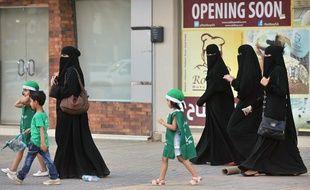 Des femmes saoudiennes dans une rue de Riyad, le 23 septembre 2013.