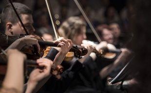 Un orchestre (illustration).
