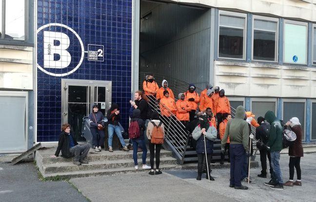 Une centaine d'individus cagoulés ont bloqué les entrées des bâtiments ce mardi matin à la fac de Rennes 2.