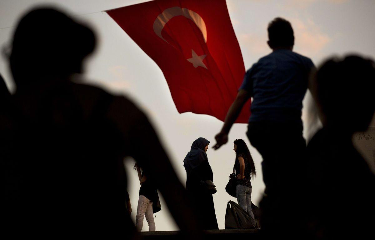 Dans le centre d'Istanbul (Turquie), lundi 18 juillet 2016. – Emilio Morenatti / AP / SIPA
