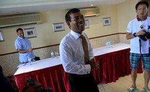 L'ex-président des Maldives, Mohamed Nasheed, favori de la présidentielle, a réclamé dimanche la démission du président sortant et réclamé l'organisation d'un nouveau scrutin par un cabinet technique après le report de l'élection samedi.