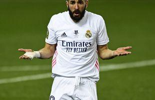 Karim Benzema réagit lors la demi-finale de la Supercoupe d'Espagne entre le Real Madrid et l'Athletic Bilbao, au Rosaleda stadium de Malaga, le 14 janvier 2021.