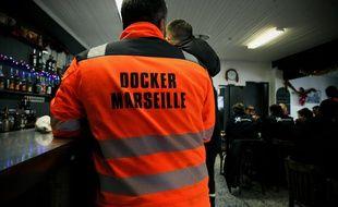 A Marseille, lors d'une manifestation de dockers contre le projets de réforme du système de retraites, le 13 décembre 2019.