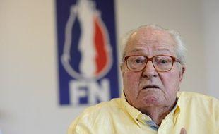Jean-Marie Le Pen, exclu du FN mais rétabli comme président d'honneur du parti à la suite d'une décision de justice, le 31 mai 2017 en conférence de presse à Marignane