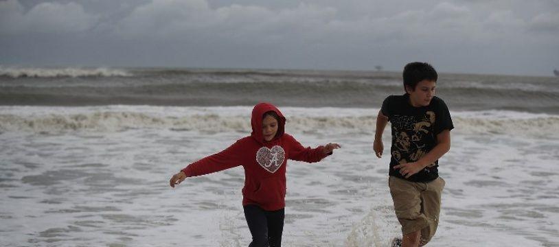 Gordon est à la limite entre tempête tropicale et ouragan.
