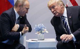 Le 7 juillet 2017, le président américain Donald Trump rencontre le président russe Vladimir Poutine à Hambourg lors du G20.