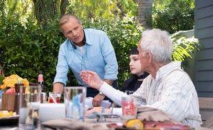 Viggo Mortensen dirige Lance Henriksen dans «Falling»