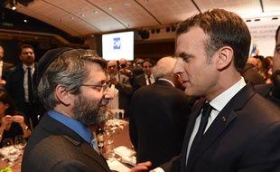 Emmanuel Macron et le Grand Rabbin de France Haim Korsia, lors du dîner du CRIF au Carrousel du Louvre, en 2018