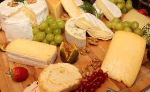 Un plateau de fromage. Illustration.