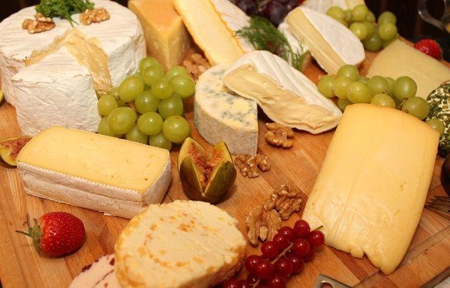 Canada: Le fromage végan ne peut pas être appelé «fromage»  640x410_plateau-fromage-illustration