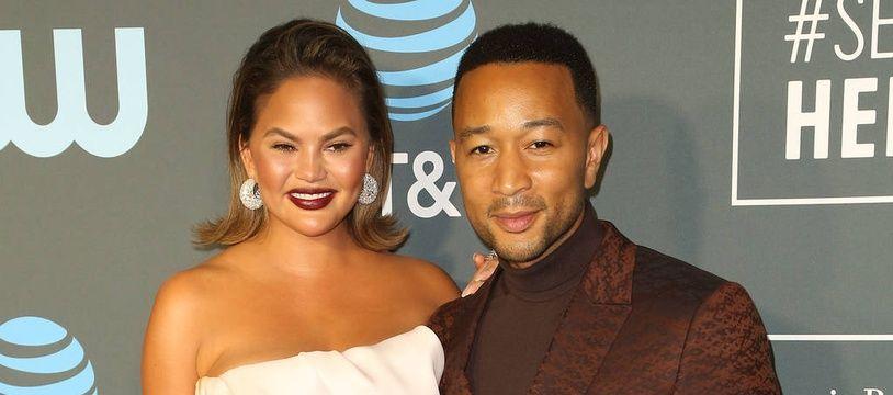 Les époux Chrissy Teigen et John Legend aux Critics' Choice Awards 2019