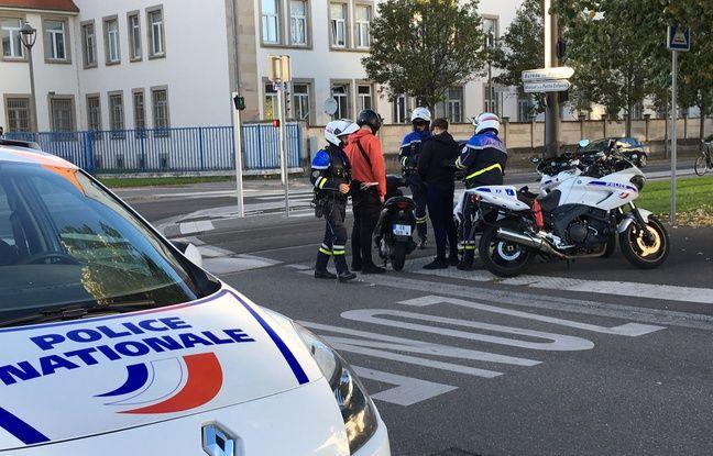 Les deux pilotes de ces scooters roulaient sans gants, ils sont verbalisés.