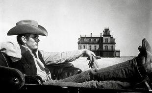 L'acteur James Dean dans Géant