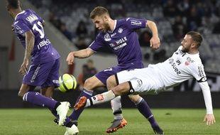 Le milieu de terrain du TFC Alexis Blin face à Dijon, le 7 avril 2018 au Stadium de Toulouse.