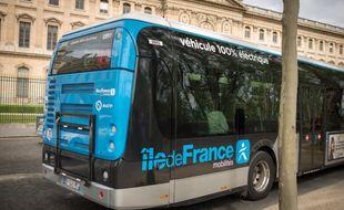 Ile-de-France Mobilités et la RATP ont décidé de mettre des bus à disposition du personnel hospitalier.