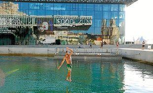 Deux waterline de 45 m vont être installées sur le bassin de 4,50 m de fond.