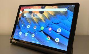 La tablette Yoga Smart Tab de Lenovo.