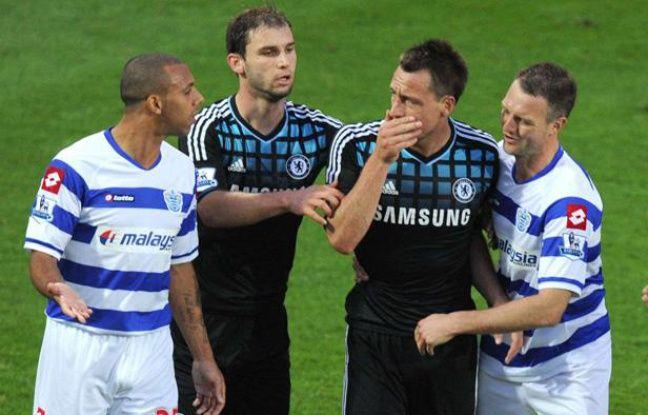 John Terry (Chelsea) face à Anton Ferdinand (Queens Park Rangers) lors du match entre leurs deux équipes le 23 octobre 2011.