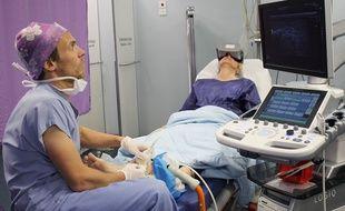Une patiente du Dr Roué en pleine immersion.