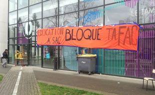 Les entrées de la faculté de Rennes 2 ont été bloquées ce lundi 9 avril.