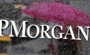 La banque JPMorgan Chase, première banque américaine en termes d'actifs, fait l'objet d'une enquête criminelle aux Etats-Unis dans le cadre de ses ventes de produits hypothécaires risqués à des investisseurs avant la crise