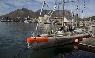 La goélette océanographique française Tara faisait route lundi vers Buenos Aires, deuxième étape en Amérique du sud d'une circumnavigation de trois ans consacrée à l'étude des écosystèmes océaniques menacés par le changement climatique.