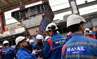 Des techniciens de Naval Group à Lorient le 29 mars 2018.