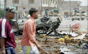 Un marché de Bagdad a de nouveau été la cible dimanche d'un sanglant attentat qui a fait au moins 29 morts, en dépit du plan de sécurité qui avait entraîné une baisse des violences dans la capitale.
