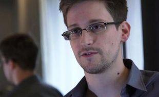 """""""La vérité est en marche et ne pourra pas être arrêtée"""", a déclaré lundi Edward Snowden, responsable des fuites sur les programmes américains de surveillance des communications, assurant que les Etats-Unis ne pourront pas l'empêcher de poursuivre ses révélations."""