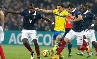 Le Suédois Albin Ekdal face à la France, le 18 novembre 2014.