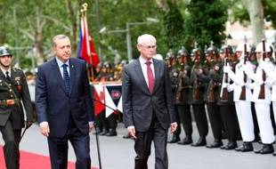 L'Union européenne a décidé d'ouvrir mardi un nouveau chapitre dans les négociations d'adhésion avec la Turquie après trois ans de paralysie, a annoncé la présidence lituanienne de l'UE.