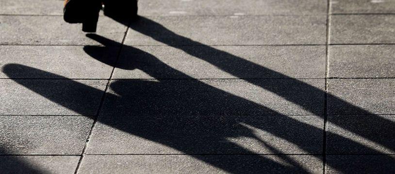 Avec WalkUnited, marcher dans la rue vous permettra de faire une bonne action (illustration).