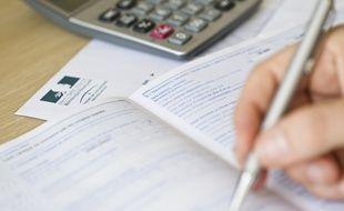 Pour la déclaration de revenus papier, la date est fixée au 17 mai (illustration).