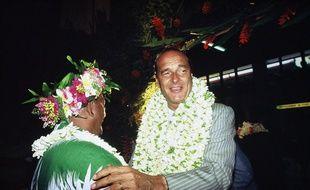 Le 30 octobre 1985, Jacques Chirac en visite à Tahiti, en Polynésie française