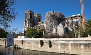 Notre-Dame de Paris en cours de travaux un an apres l'incendie.