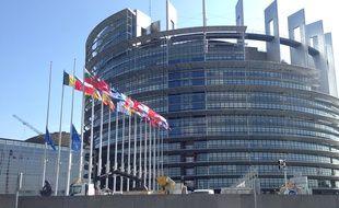Le calme règne devant le Parlement européen de Strasbourg après les attentats à Bruxelles.