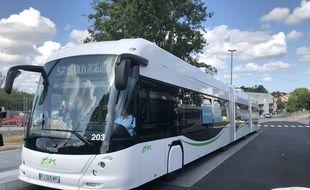 Un e-busway en circulation à Nantes.