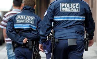 L'homme s'en est pris physiquement aux deux policiers municipaux en train de verbaliser sa voiture à Colmar. Illustration