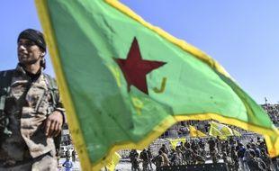 Un combattant kurde des YPG à Raqa en octobre 2017