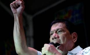 Rodrigo Duterte, favori du scrutin présidentiel aux Philippines, lors d'un discours à Manille, le 23 avril 2016