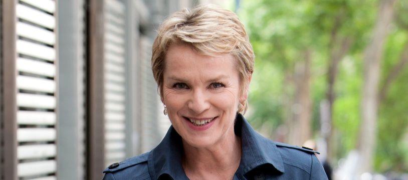 La journaliste Elise Lucet présente «Envoyé Spécial» sur France 2.