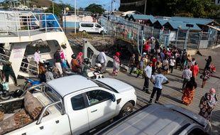 La barge reliant Grande-Terre et Petite-Terre à Mamoudzou (Mayotte).