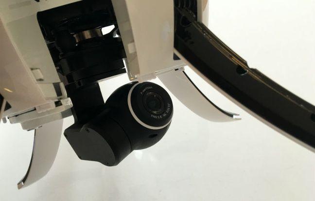 La caméra embarquée et stabilisée du PowerEgg prend des photos en 12 mégapixels et tourne des vidéos en 4K à 30 images par seconde.