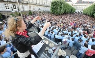 NANTES, le 21/06/2012 La grande chorale de la place Grasli