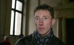 Patrick Dils, poursuivi par un policier qui estimait avoir été diffamé par les propos publiés  dans le livre Je voulais juste rentrer chez moi, au Palais  de justice à Paris le 7 janvier 2006.