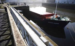 L'Ocean Jasper ici en 2008 dans le port de Brest.