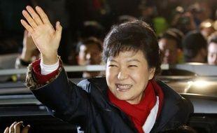 La Corée du Sud a porté mercredi à la présidence une femme, pour la première fois dans l'histoire de ce pays, en la personne de Park Geun-Hye, candidate du parti conservateur.